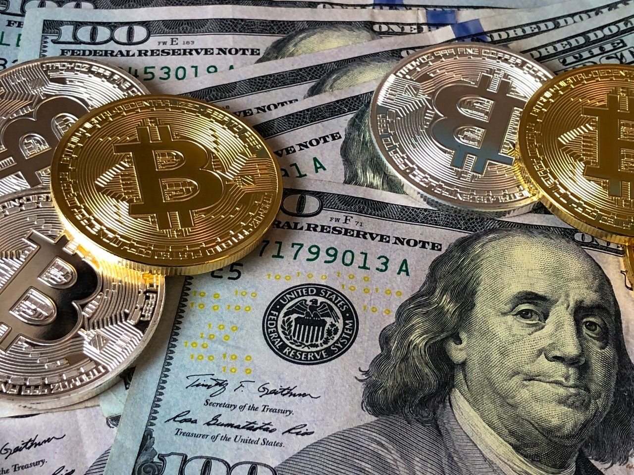 Forex vs Cryptocurrency Investment Comparison